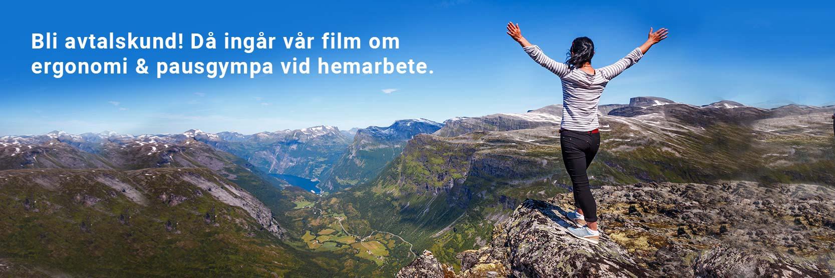 Kvinna som står på ett berg, text vi kan ge behandling på distans